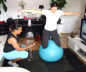 Coaching à domicile exercice Swiss Ball
